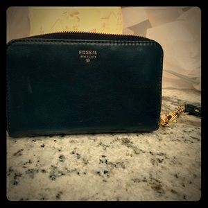 Fossil Logan Zip Clutch